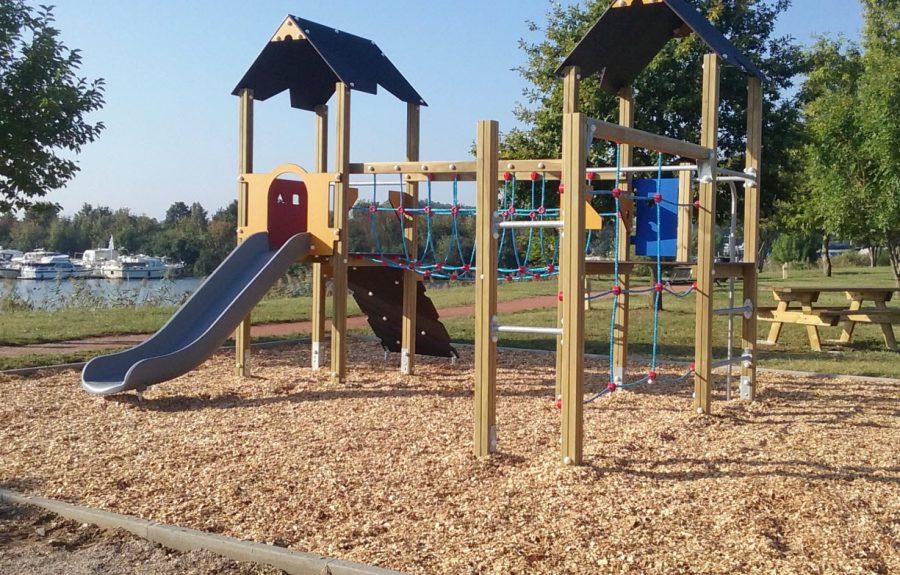 Aire de jeux, arboretum Saint-Usage