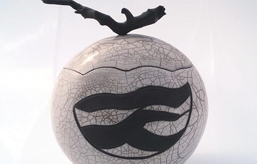 Grand flacon de Anne Thiellet, céramiste Raku, présent à l'Artisanerie de la Saône à Seurre