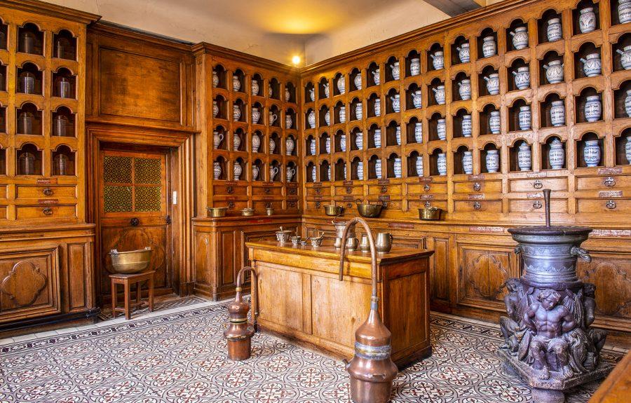 Apothicairerie de l'Hôtel Dieu à Seurre