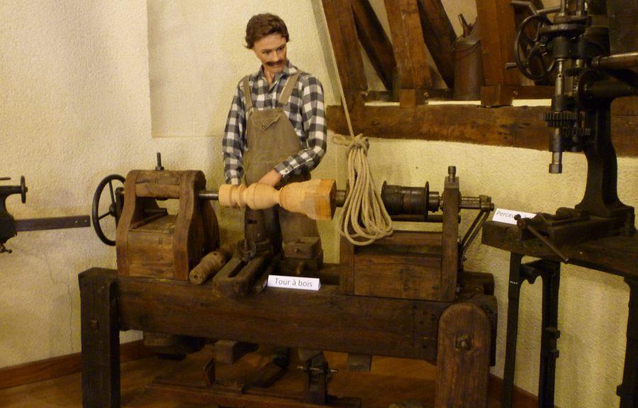 Industrie de la prothèse au troisième étage du musée de la Saône et des gens de la Saône à Seurre