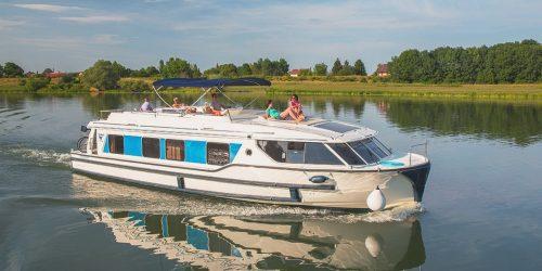 """Base fluviale """"Le Boat"""" à Saint-Jean-de-Losne"""